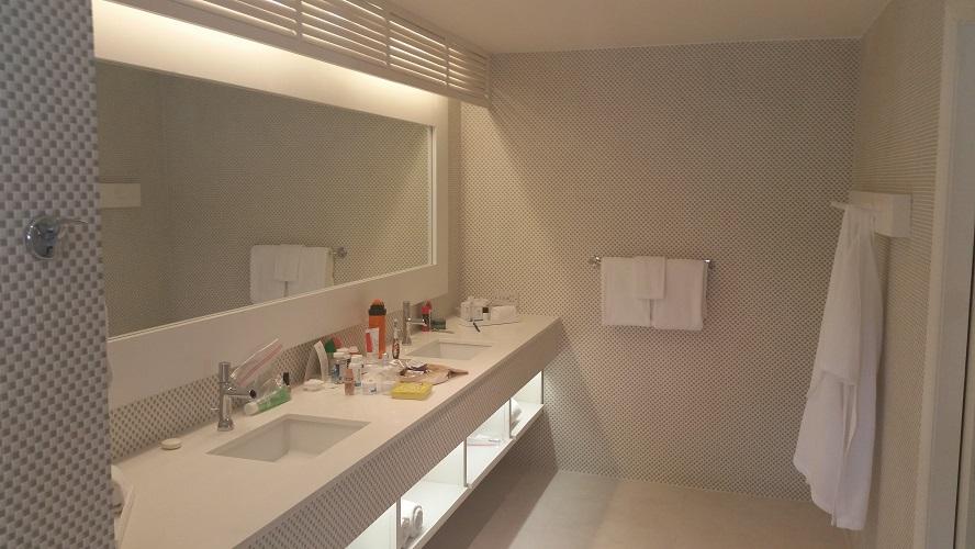 Oasis Spa Villa Bathroom
